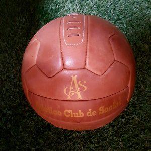 Pelota antigua de fútbol
